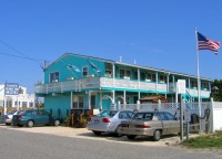 lorry-s-island-end-motel.jpg