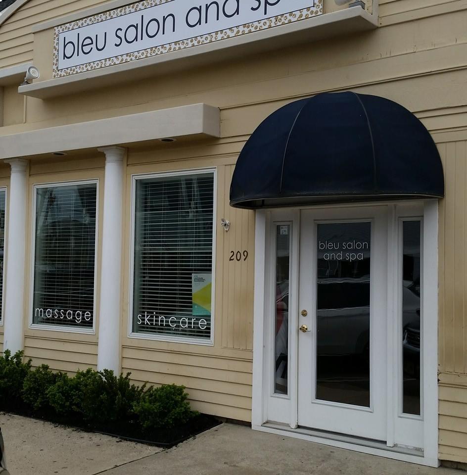 member wednesday bleu salon spa. Black Bedroom Furniture Sets. Home Design Ideas